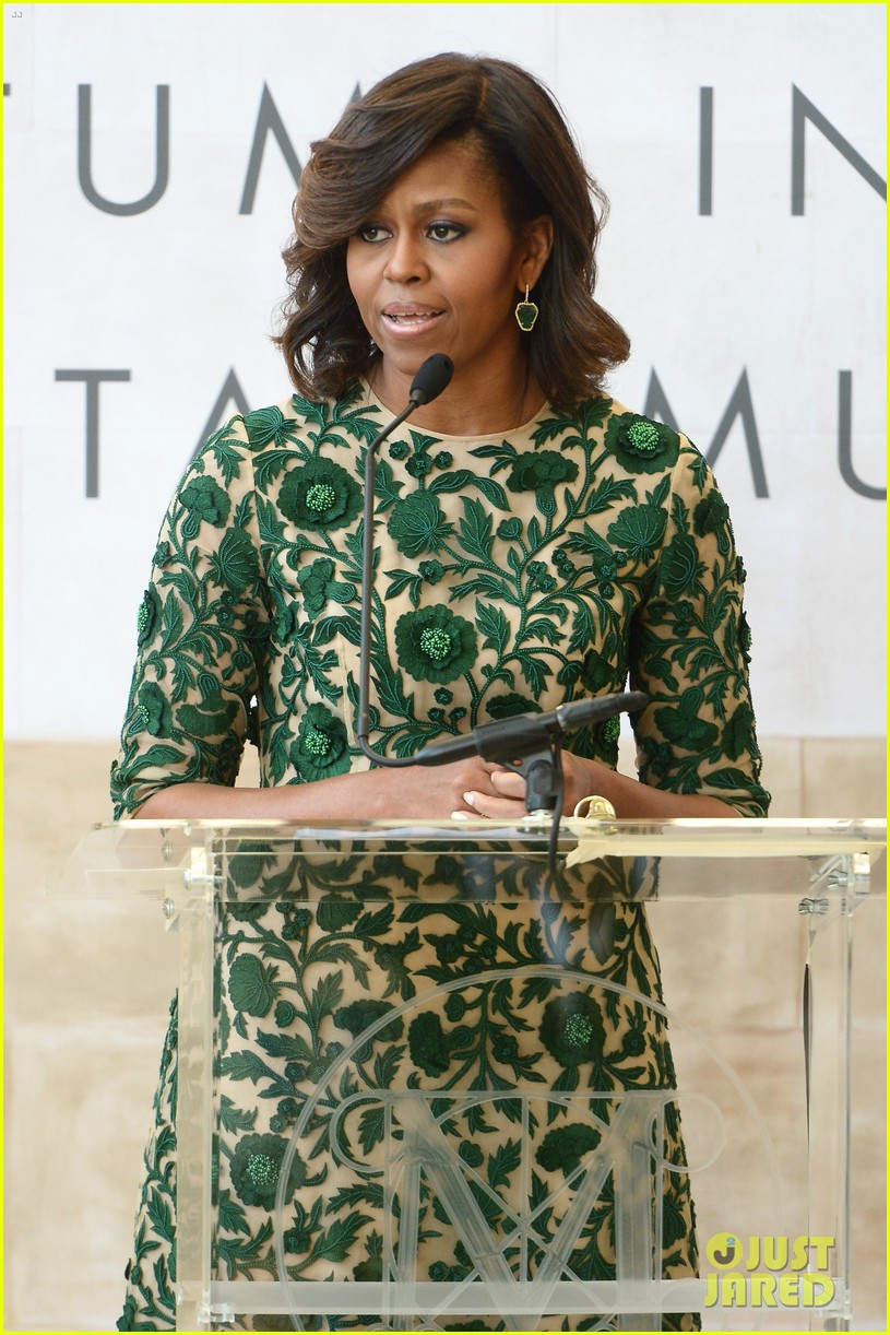 michelle obama anna wintour costume center opening 01