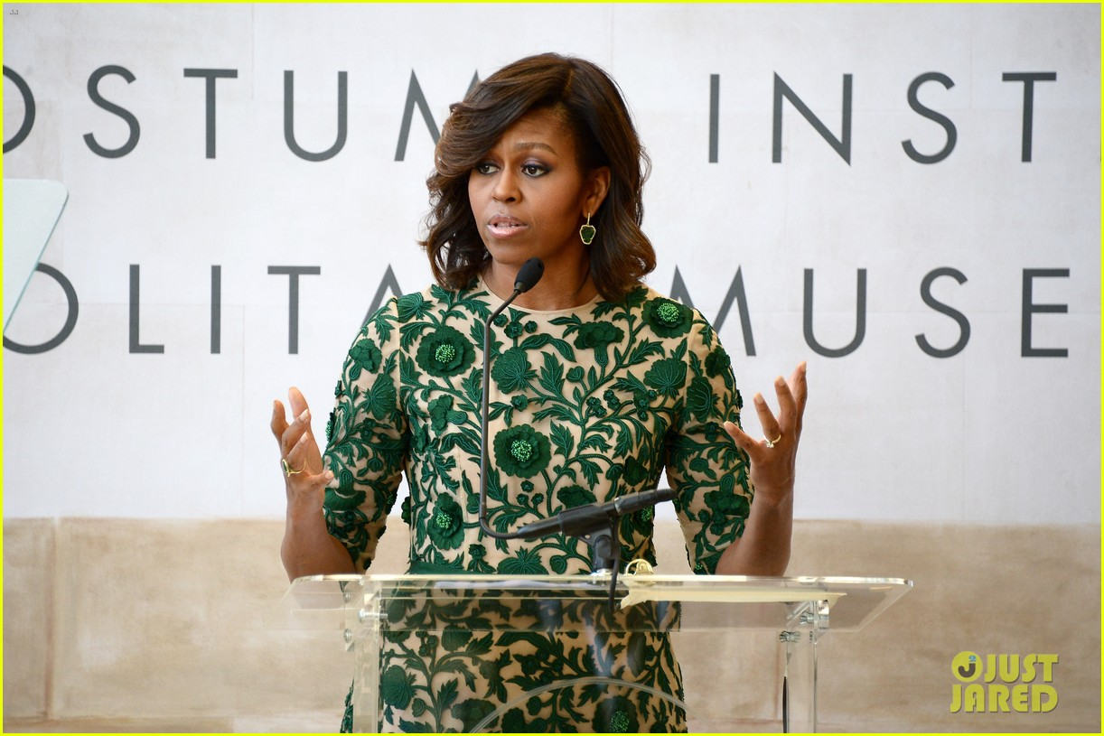 michelle obama anna wintour costume center opening 093105649