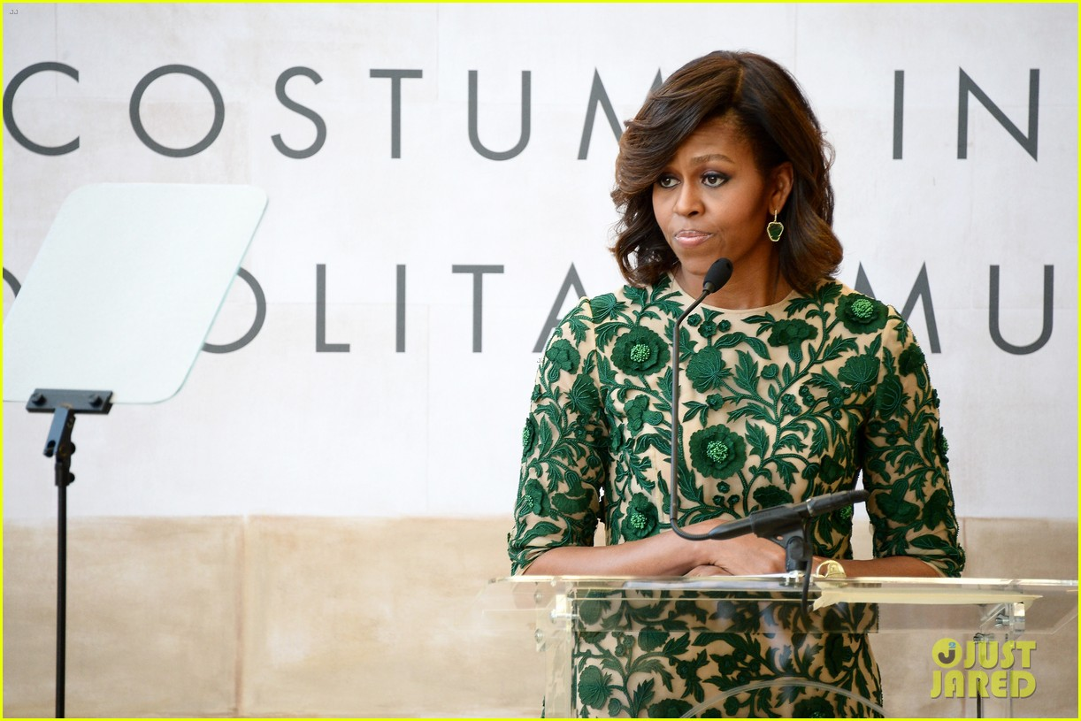 michelle obama anna wintour costume center opening 11