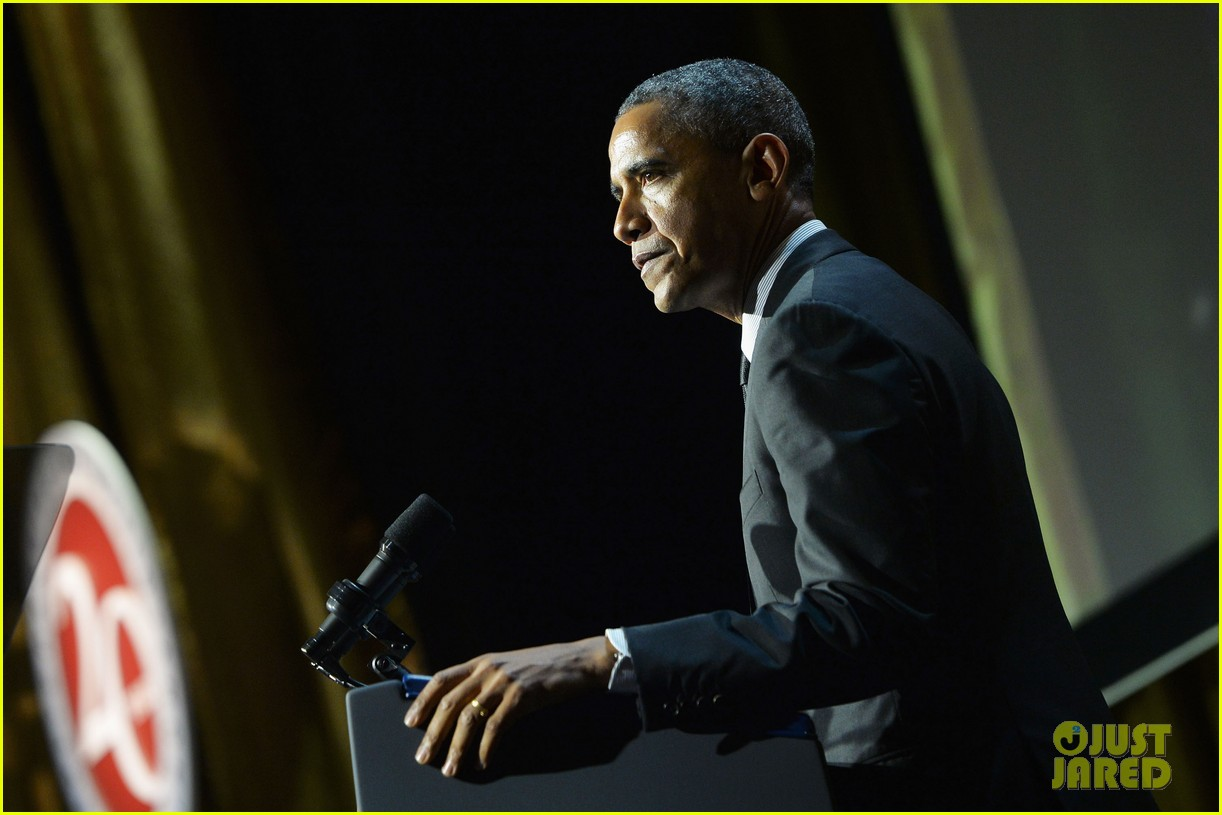 president obama gets honored at usc shoah foundations 20th anniversary gala 093108471