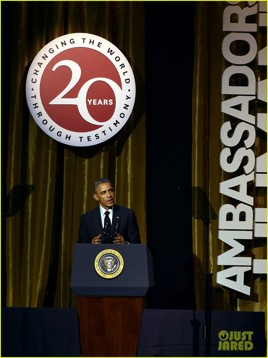 president obama gets honored at usc shoah foundations 20th anniversary gala 10