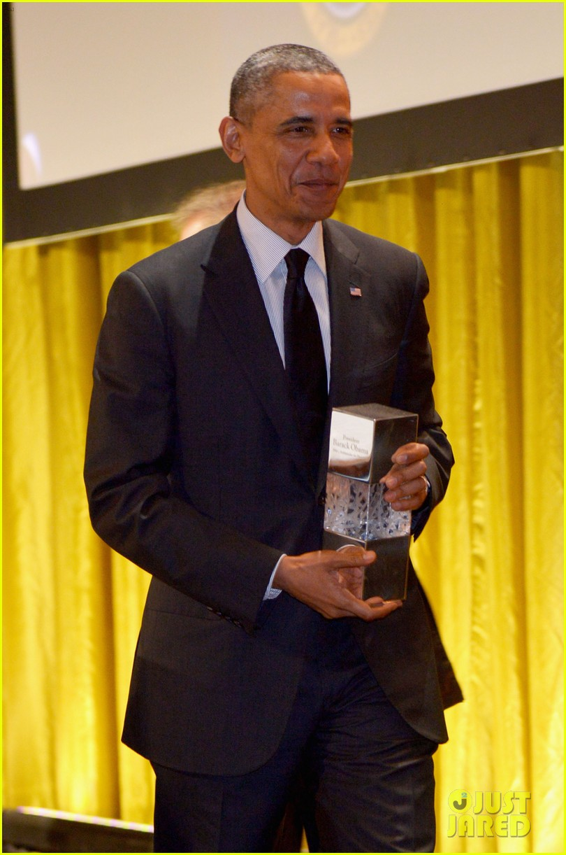 president obama gets honored at usc shoah foundations 20th anniversary gala 133108475