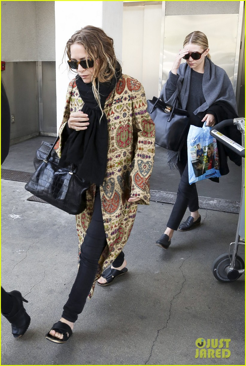 mary kate ashley olsen arrive in los angeles 093108206