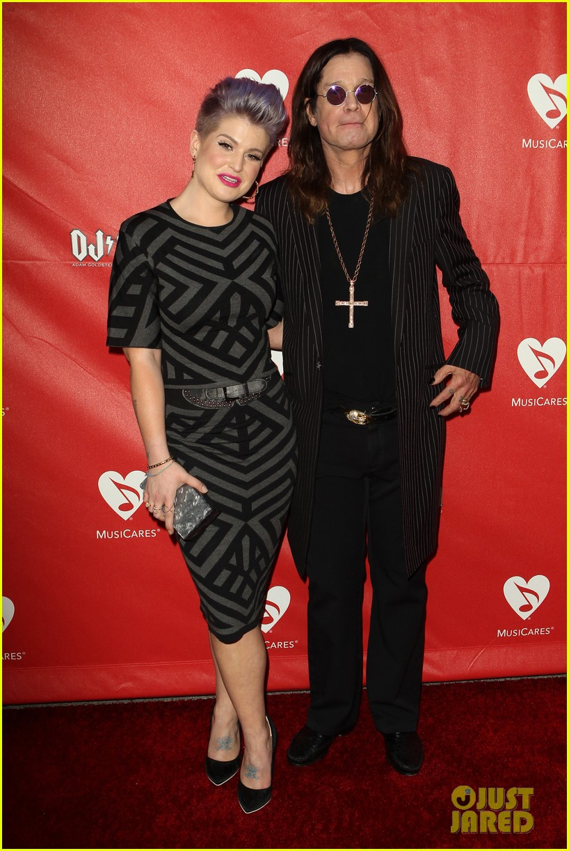 kelly osbourne supports father ozzy at musicares map fund benefit concert 013112372