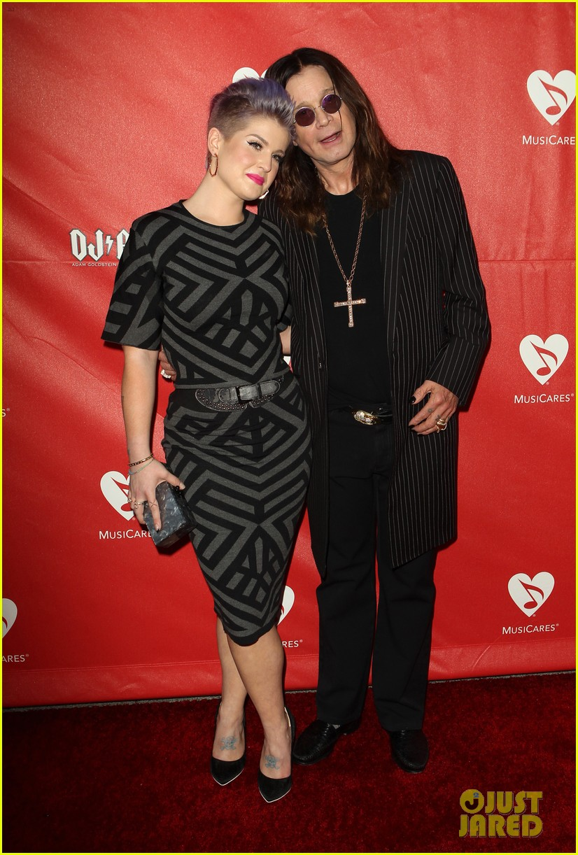 kelly osbourne supports father ozzy at musicares map fund benefit concert 08
