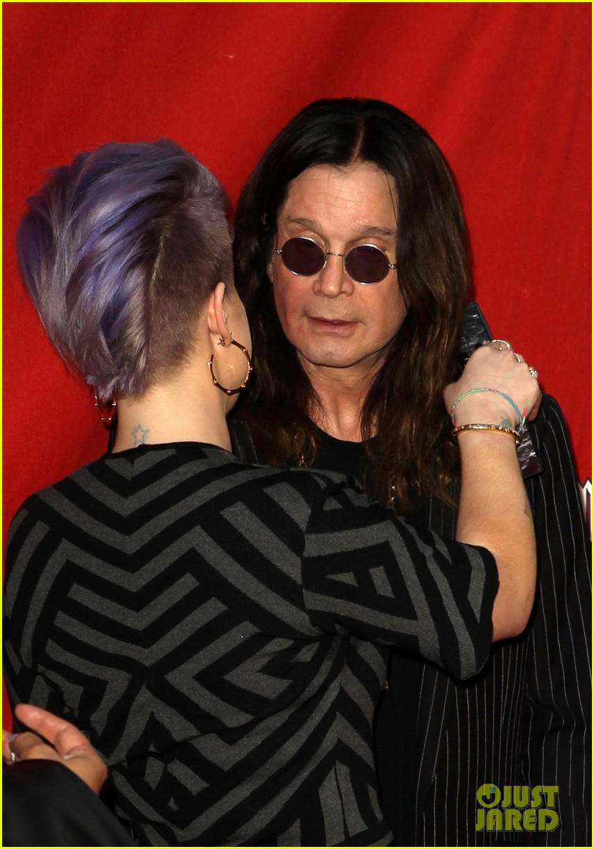 kelly osbourne supports father ozzy at musicares map fund benefit concert 103112381