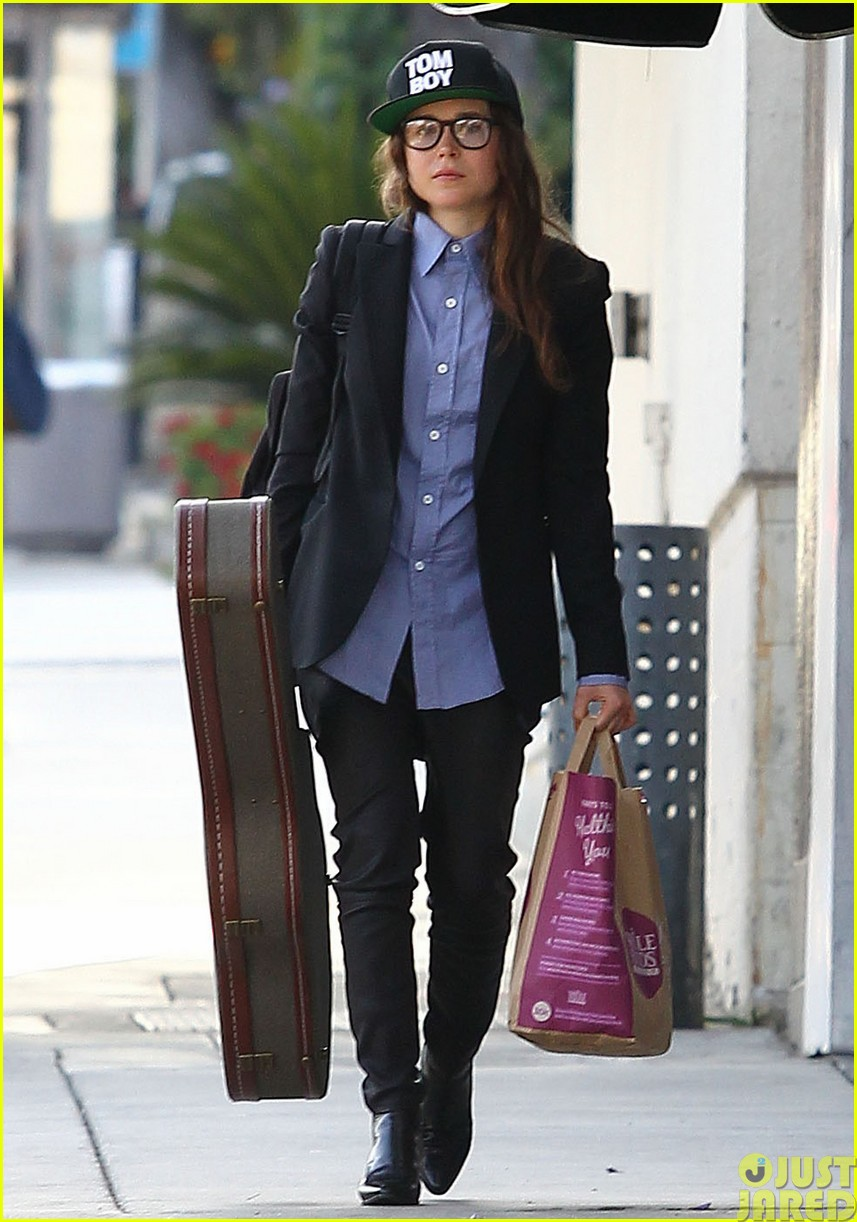 ellen page eats ikea takeout with justin bieber in her dreams053121021