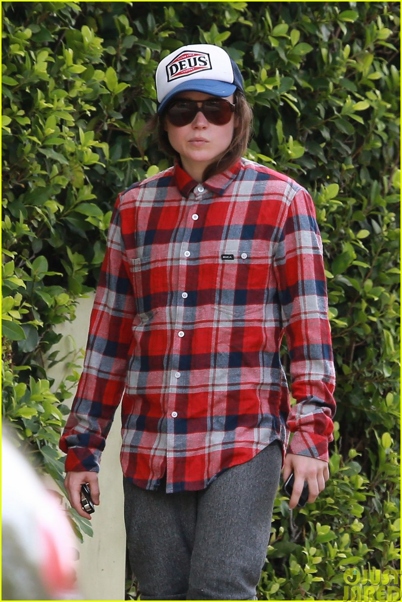 ellen page eats ikea takeout with justin bieber in her dreams083121024