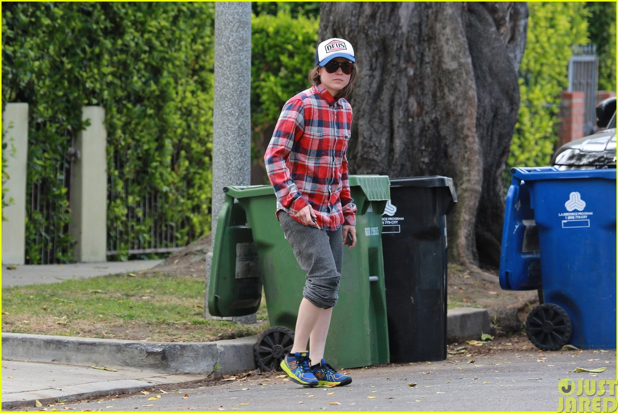 ellen page eats ikea takeout with justin bieber in her dreams123121028