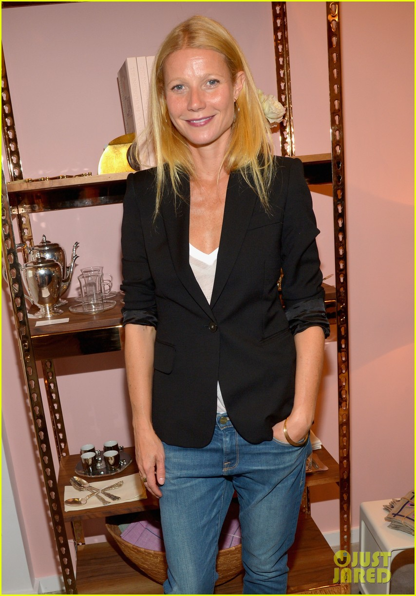 gwyneth paltrows mom is by her side for goop pop up 023107456