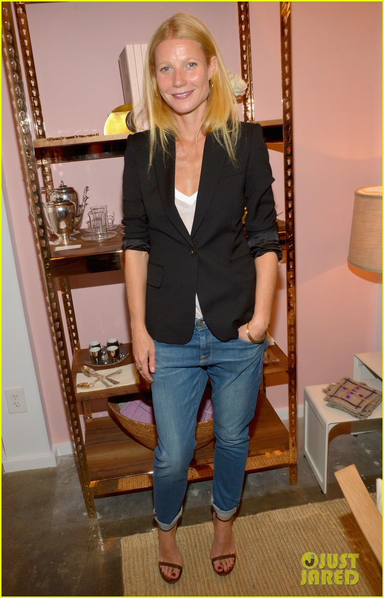 gwyneth paltrows mom is by her side for goop pop up 063107460