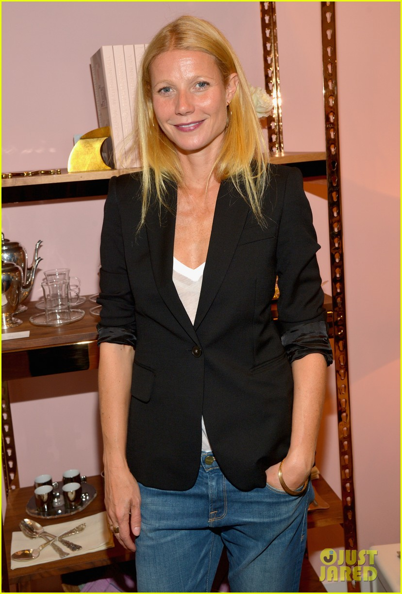 gwyneth paltrows mom is by her side for goop pop up 073107461