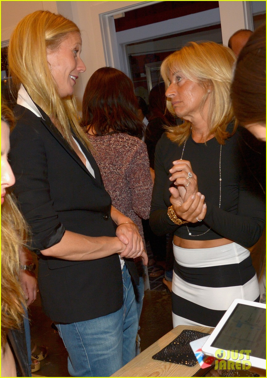 gwyneth paltrows mom is by her side for goop pop up 103107464