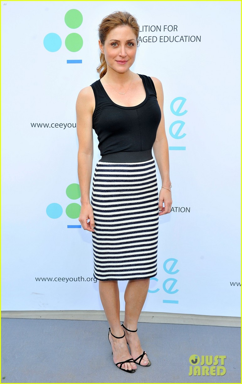 gwyneth paltrow hits the stage for poetic justice fundraiser 033123749