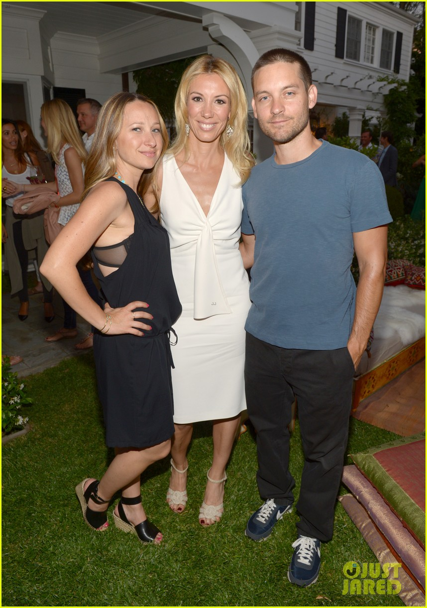 gwyneth paltrow cameron diaz show their support for vicky vlachonis 013114884