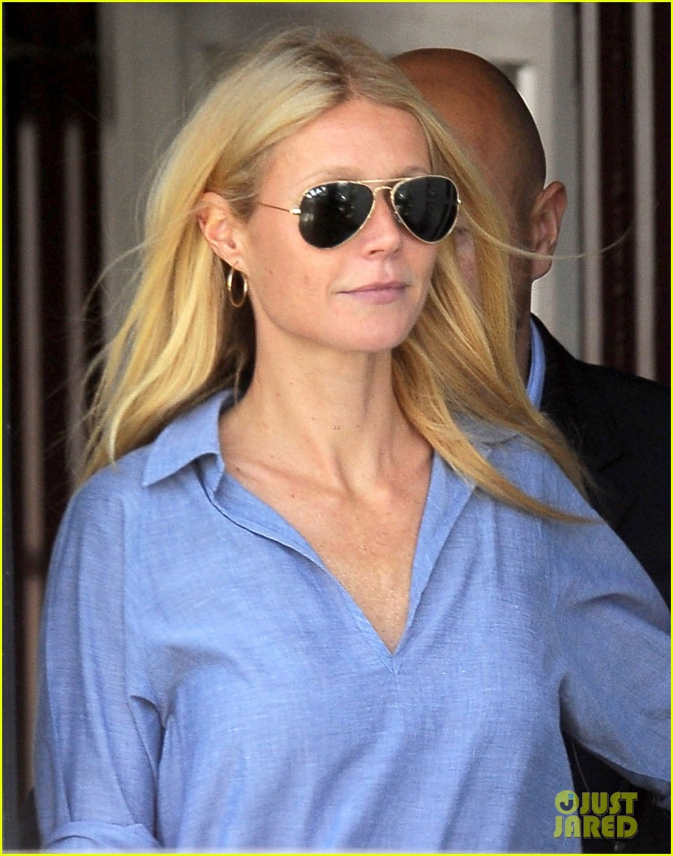 gwyneth paltrow writes blog post to end the mommy wars 09