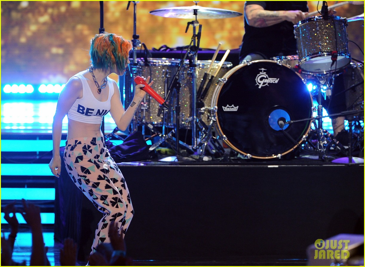 paramore performs aint it fun with jena irene 053119400