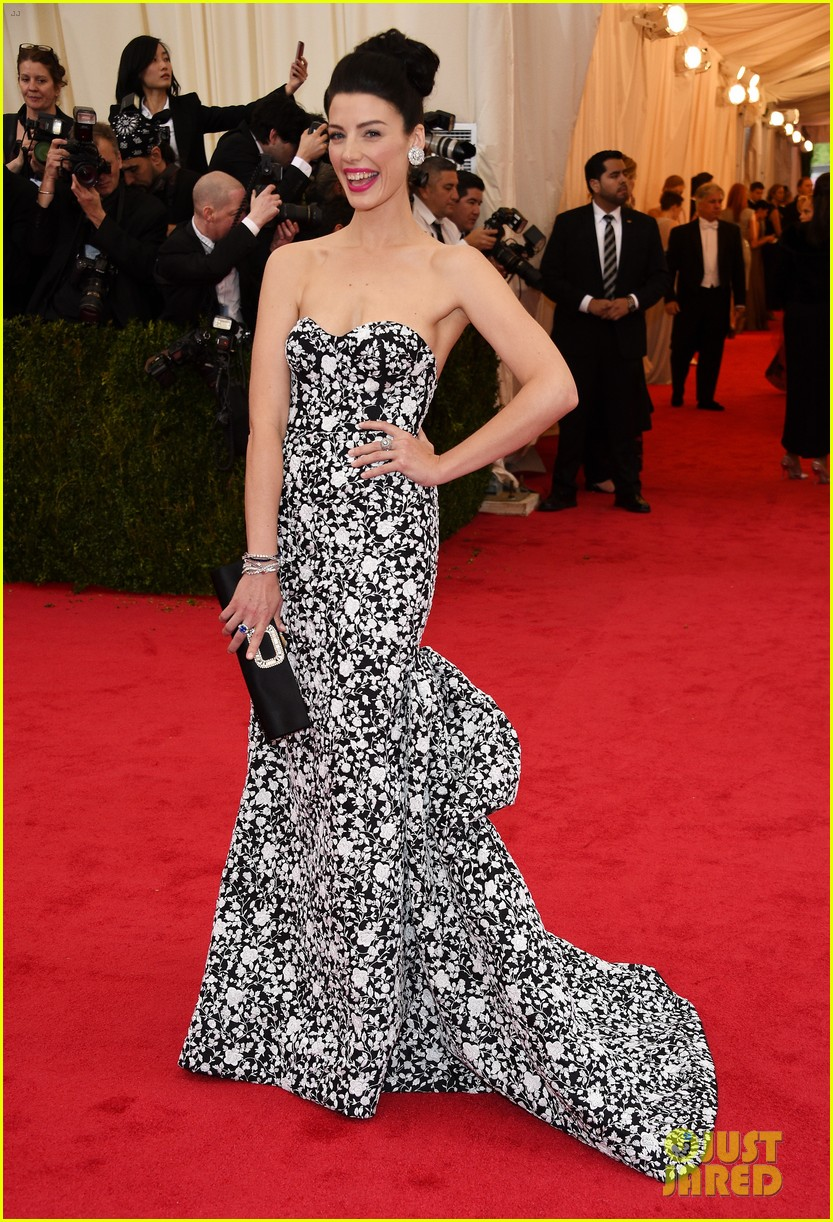 jessica pare met ball 2014 red carpet 013105909