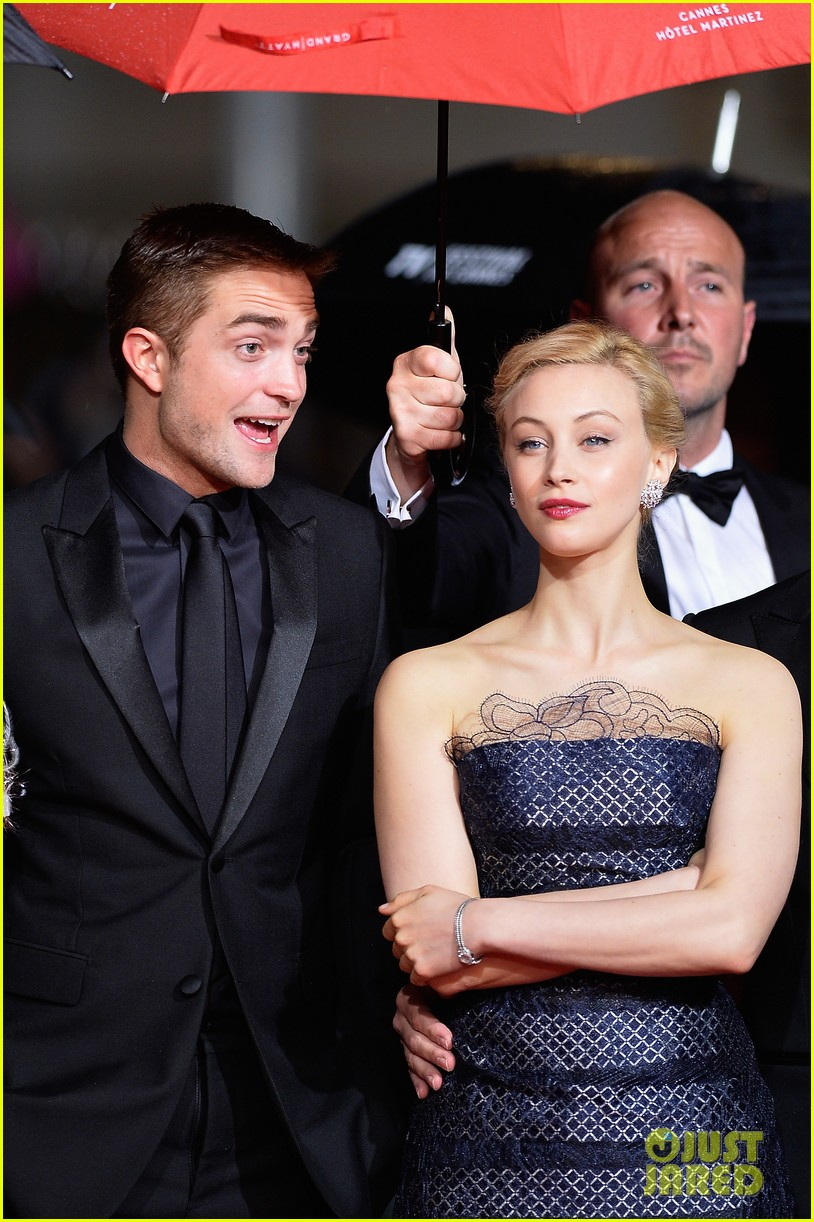 robert pattinson maps to the stars cannes premiere 033117595