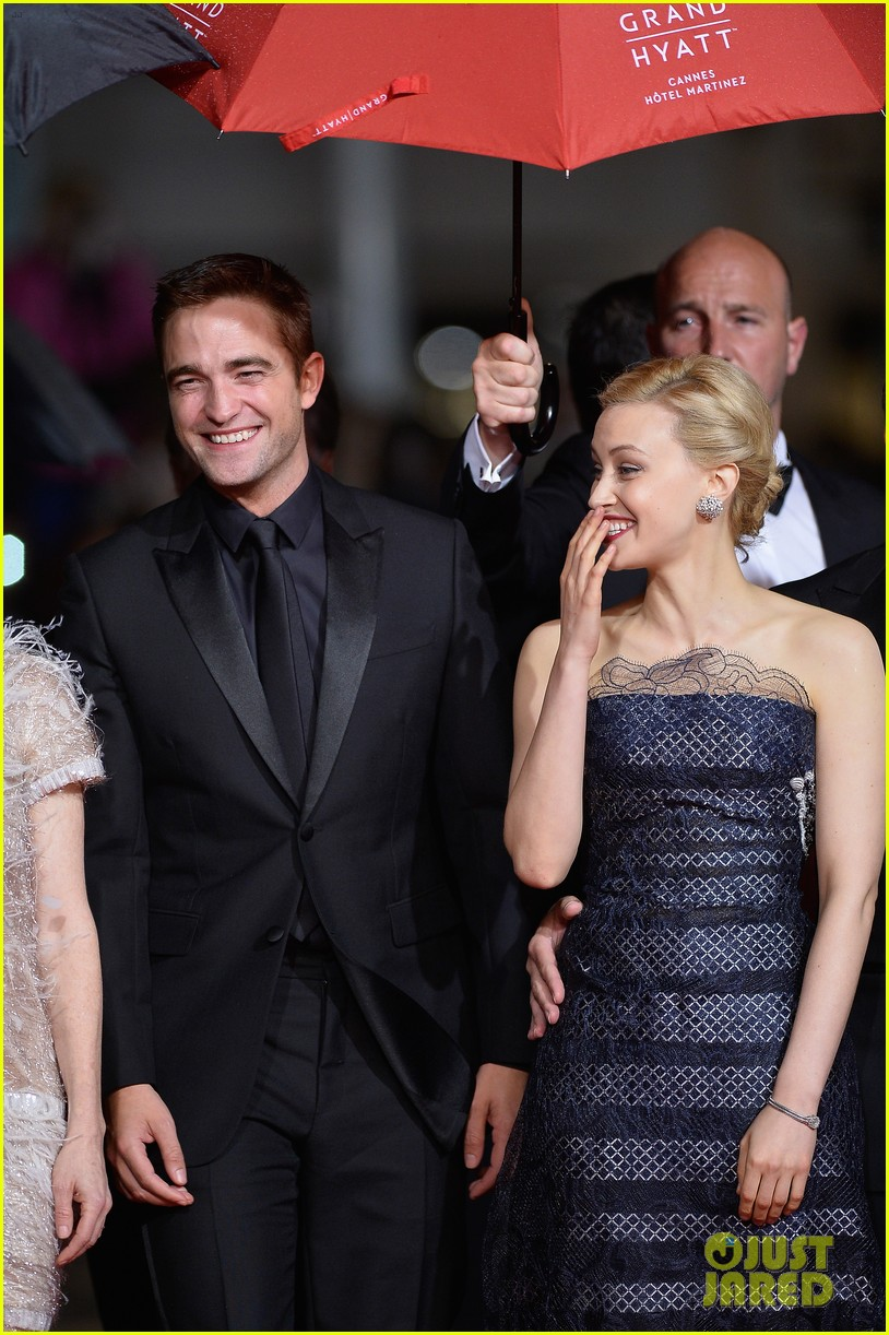 robert pattinson maps to the stars cannes premiere 073117599