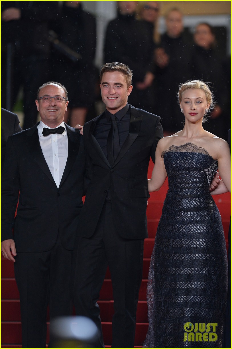robert pattinson maps to the stars cannes premiere 133117605