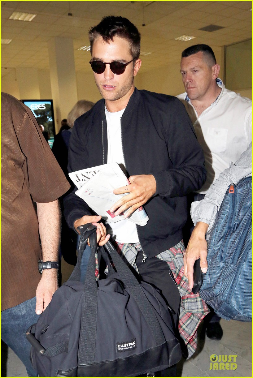 robert pattinson flies to nice for cannes 073115219
