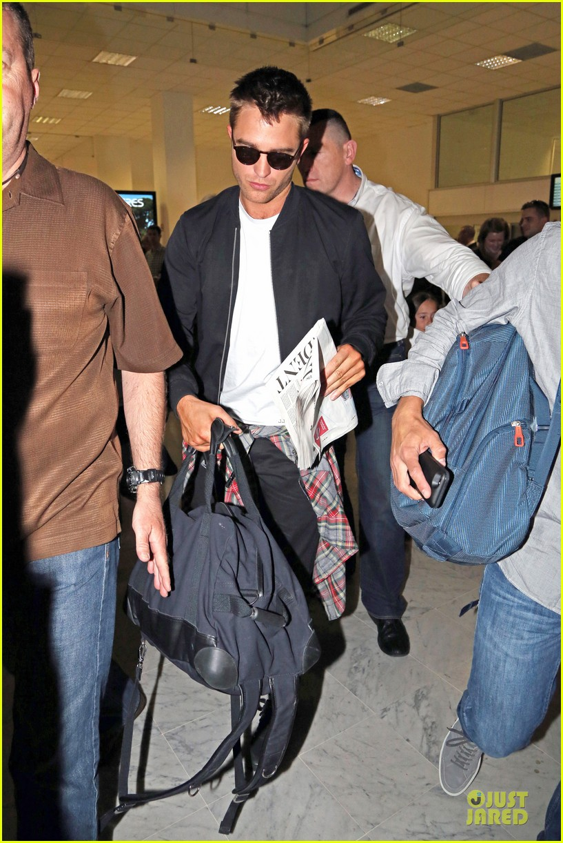 robert pattinson flies to nice for cannes 203115232