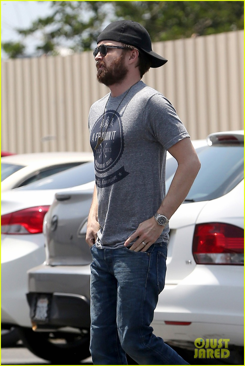 aaron paul sports super scruffy beard on holiday weekend 033122715