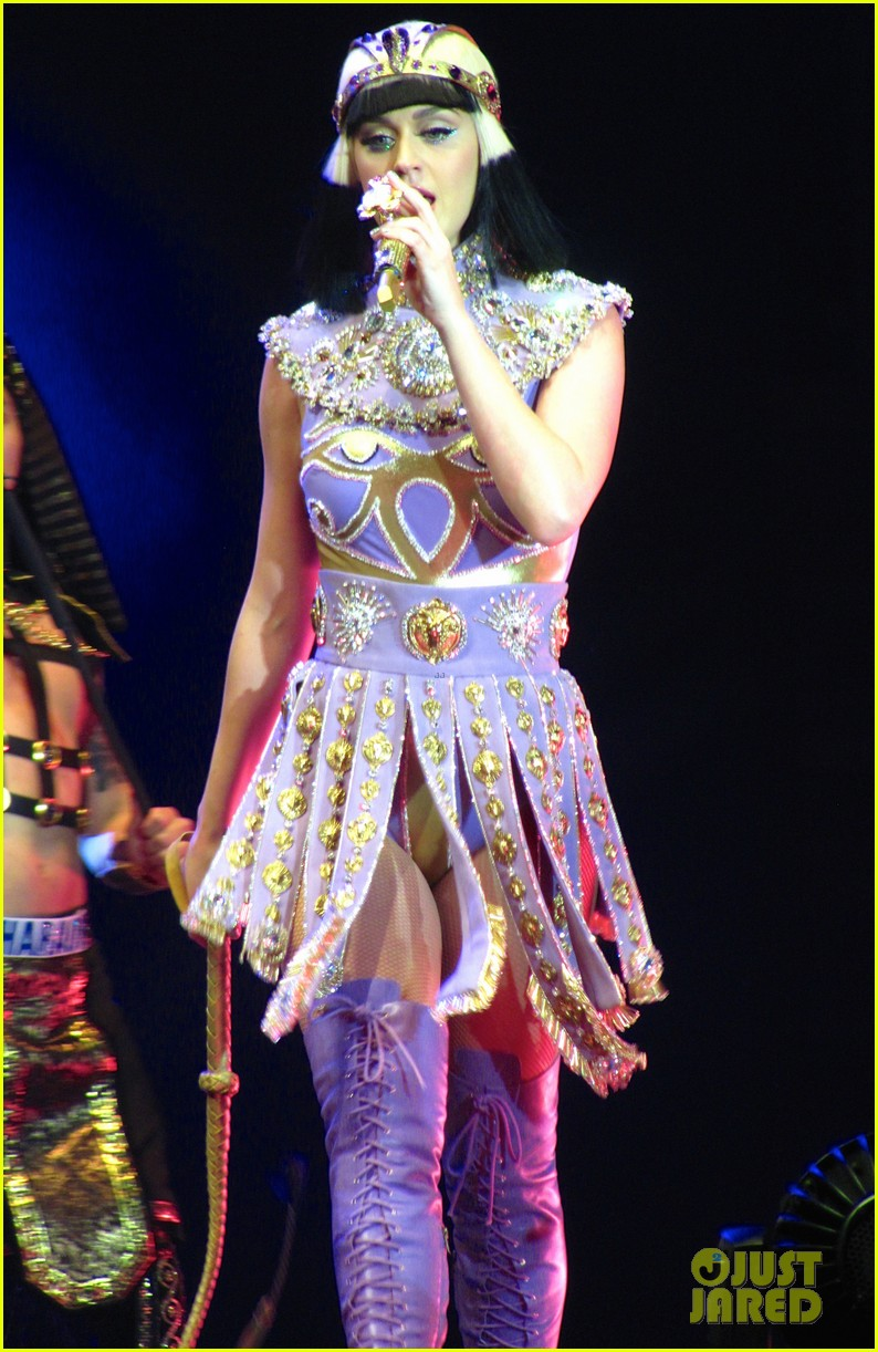 see all of katy perry crazy prismatic tour costumes here 453108252