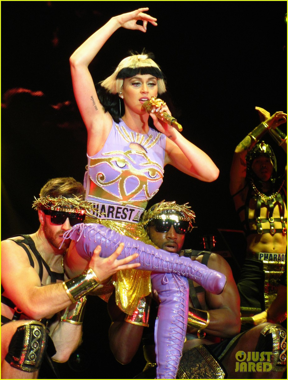 see all of katy perry crazy prismatic tour costumes here 483108255