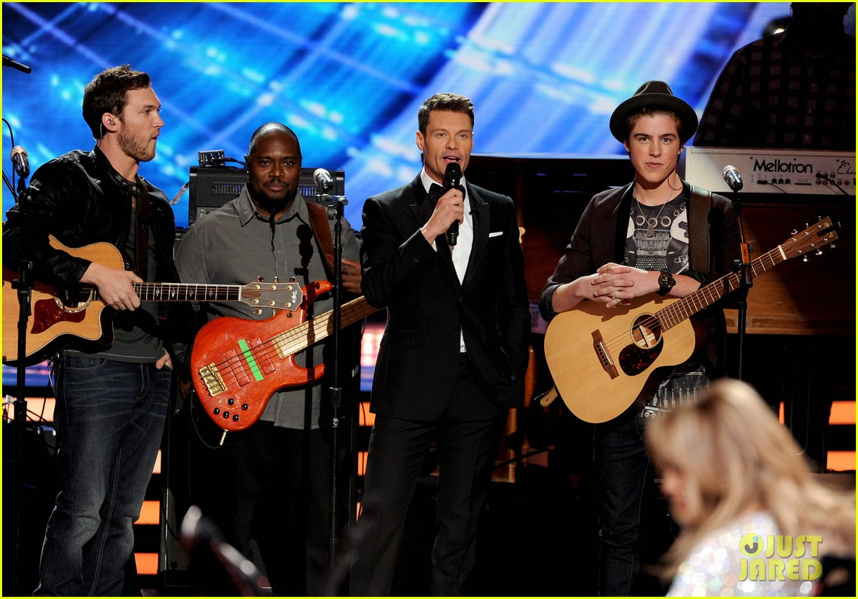 phillip phillips sam woolf american idol finale 043119346