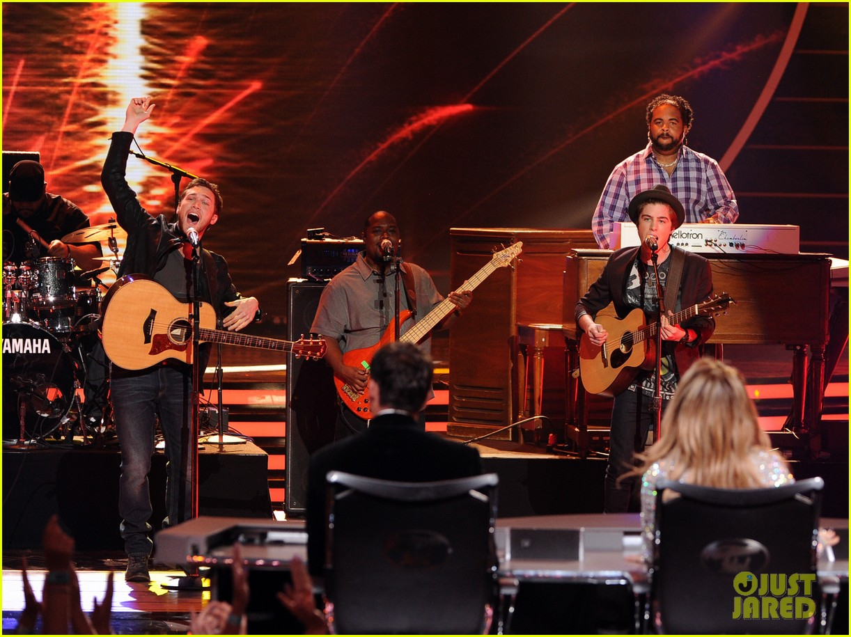 phillip phillips sam woolf american idol finale 083119350