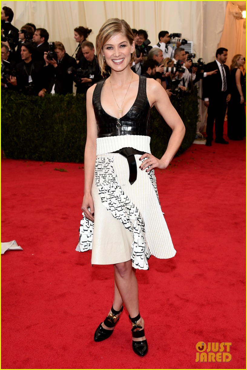 rosamund pike met ball 2014 02