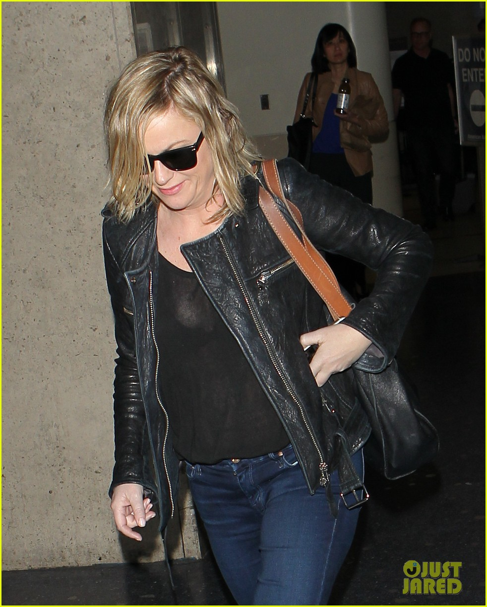 amy poehler back in la after performing at assscat 3000 at ucb 023103081