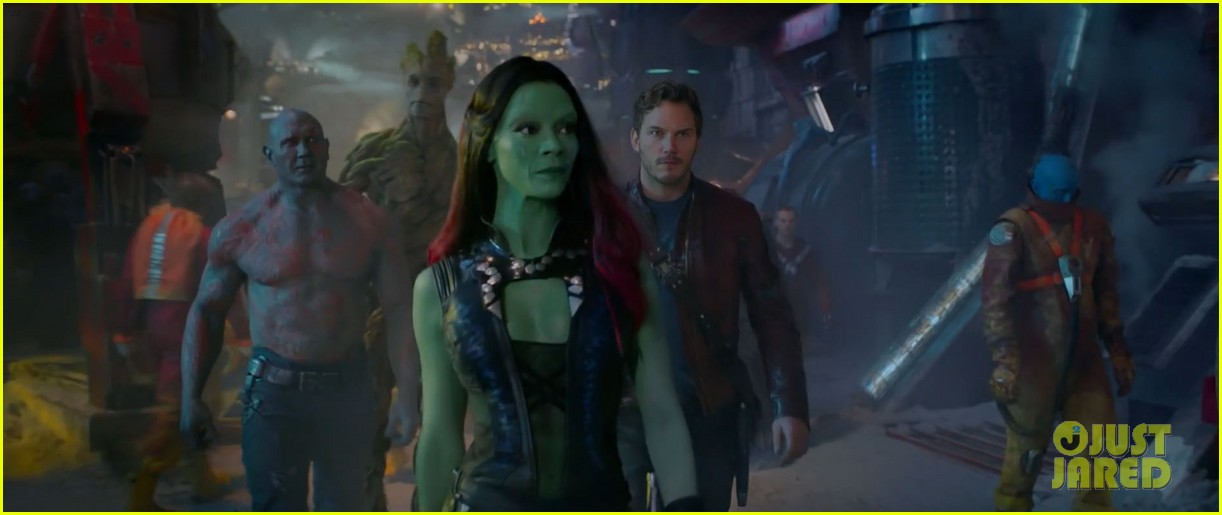chris pratt flaunts ripped abs in new guardians of the galaxy trailer teaser 023115868