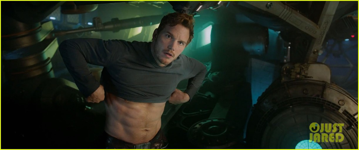 chris pratt flaunts ripped abs in new guardians of the galaxy trailer teaser 053115871