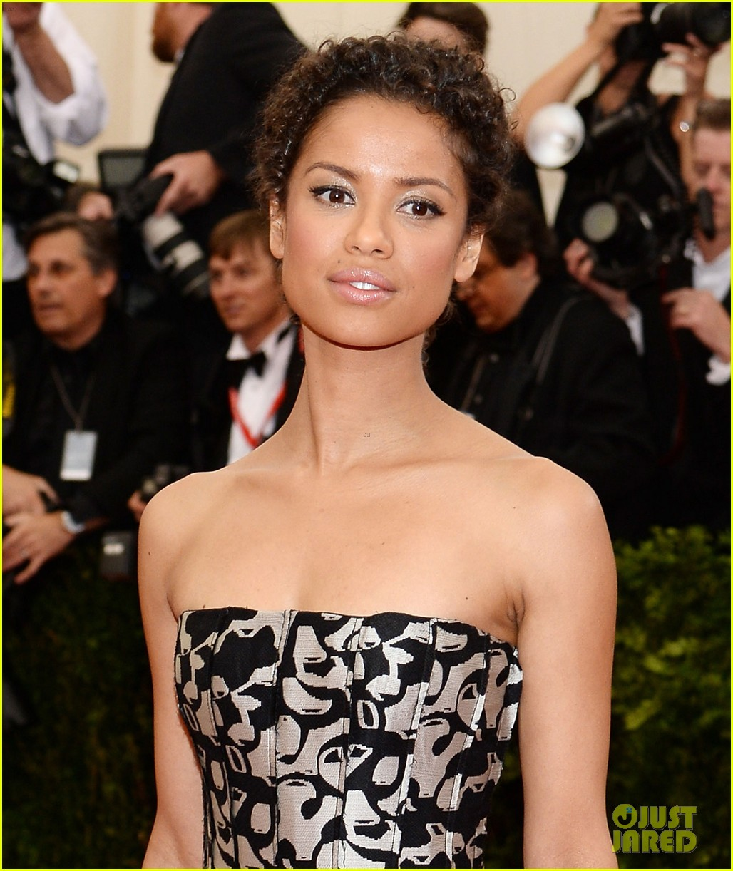 gugu mbatha raw sam reid met ball 2014 063106436