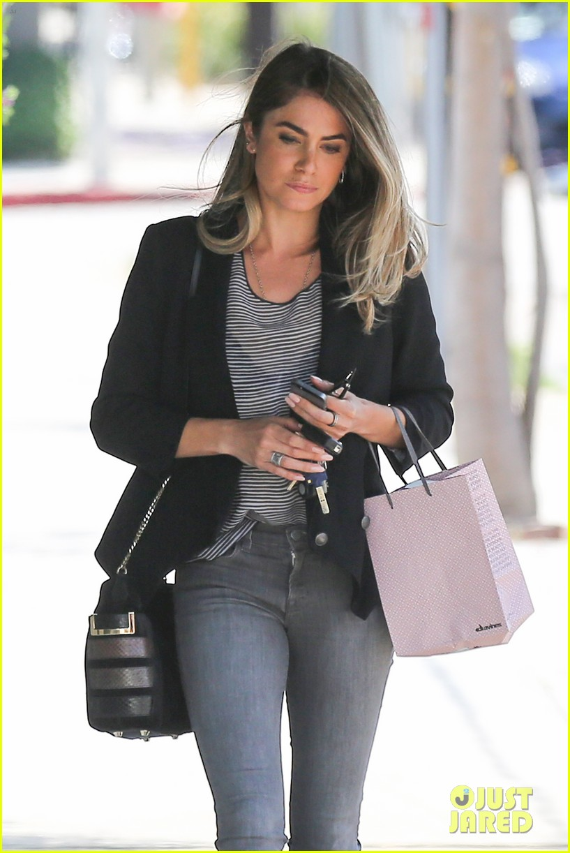 nikki reed blonde sunday horse 103120928