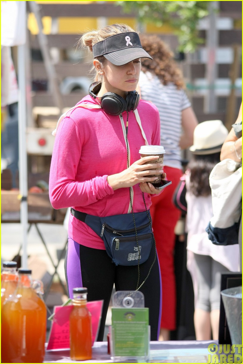 nikki reed is all smiles at the farmers market06