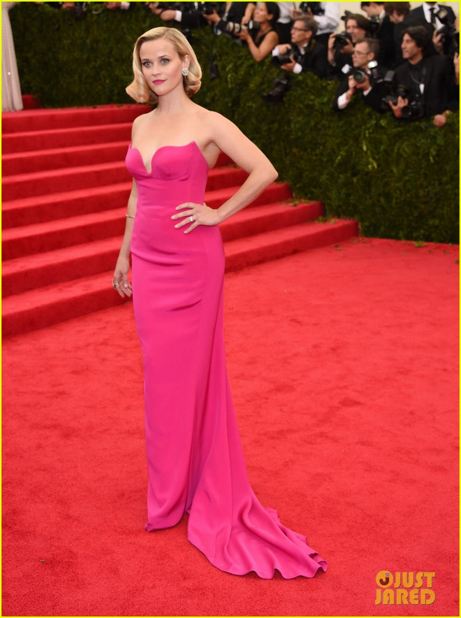 reese witherspoon met ball 2014 red carpet 013106134