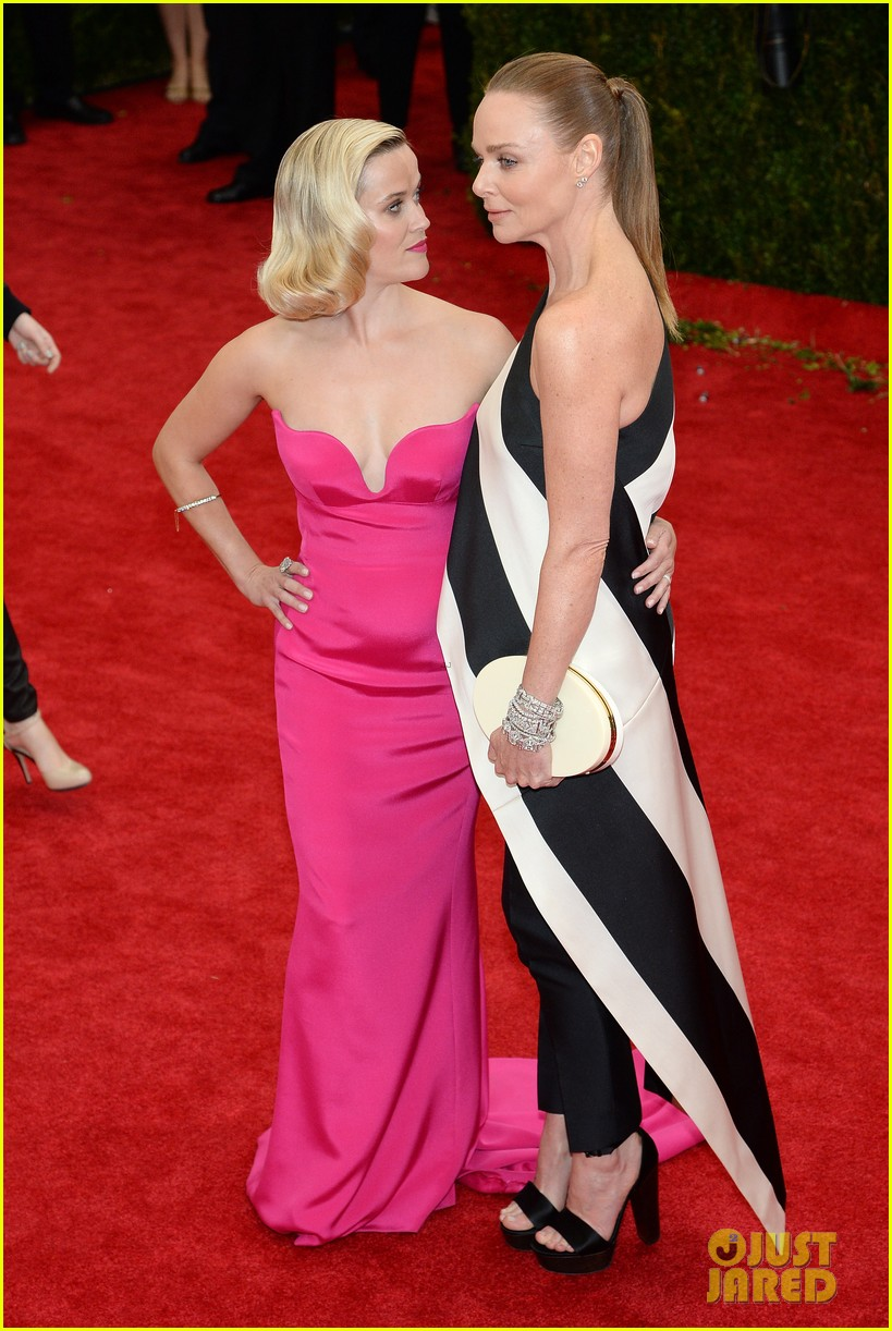 reese witherspoon met ball 2014 red carpet 053106138