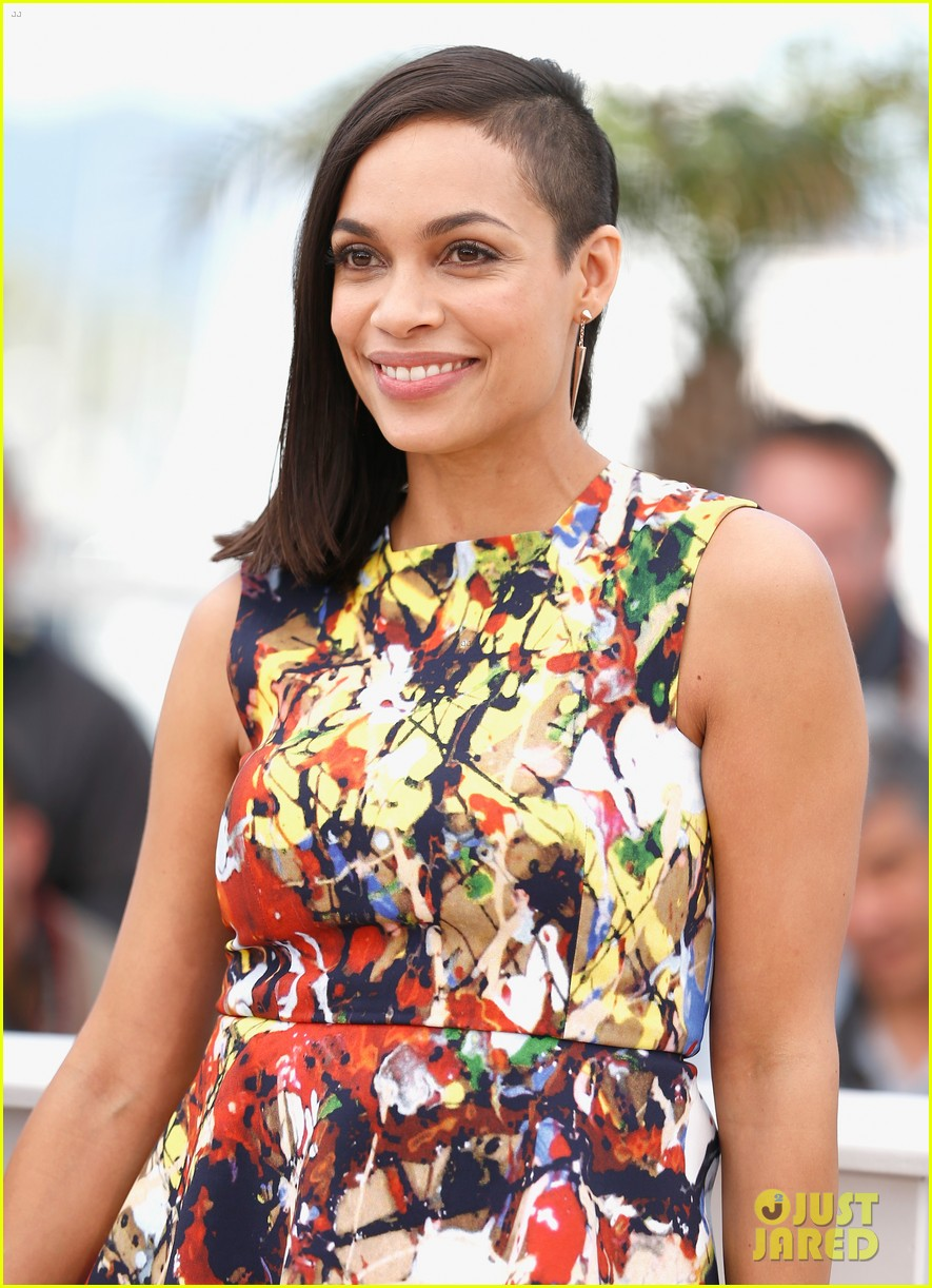 ryan reynolds rosario dawson hit up the cannes festival 153114878