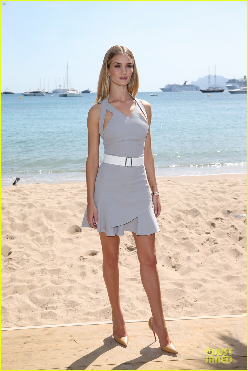 Rosie Huntington-Whiteley Shows Serious Skin at De Grisogono Cannes ... Rosie Huntington Whiteley