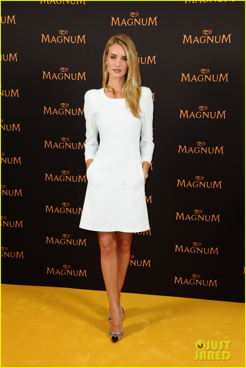 rosie huntington whiteley debuts new magnum short film 103117399