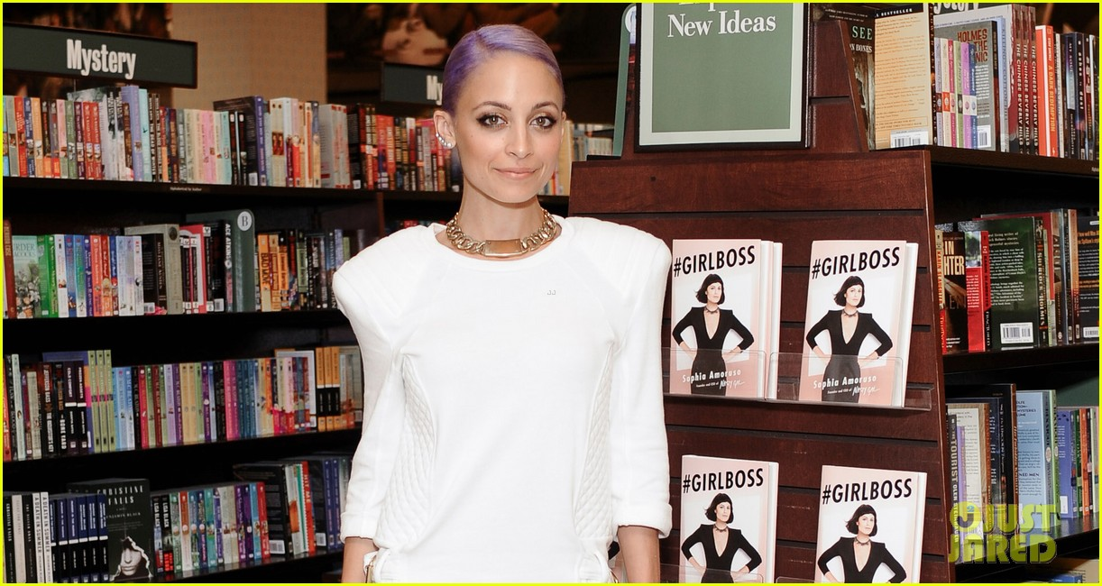 nicole richie wears all white for girlboss signing 033112586