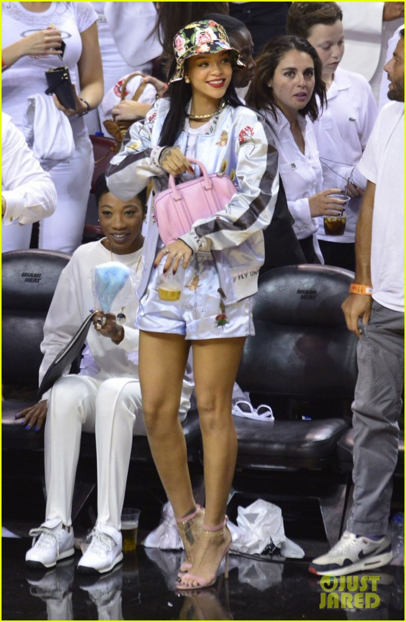 rihanna cheers on lebron james at nets heat game 253109089