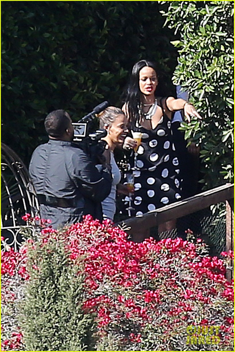 rihanna spends mothers day with family at malibu mansion 023111571