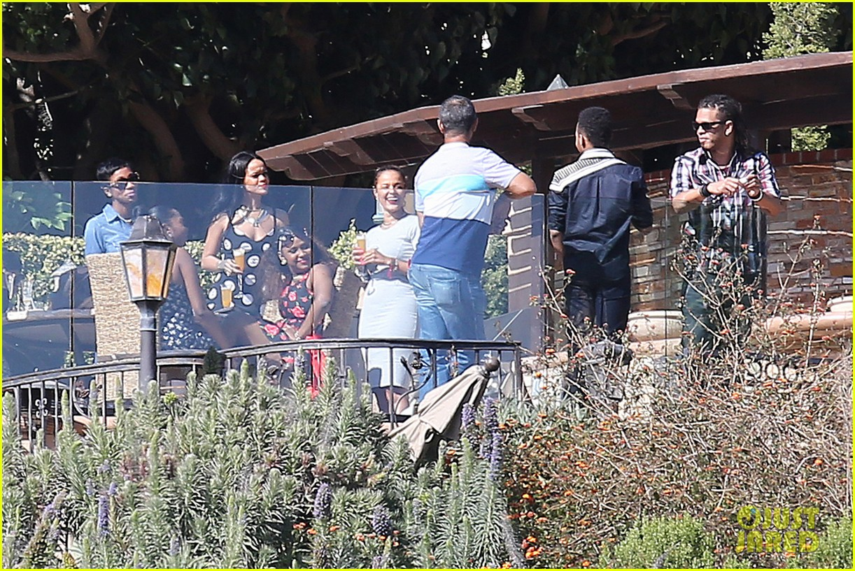 rihanna spends mothers day with family at malibu mansion 083111577
