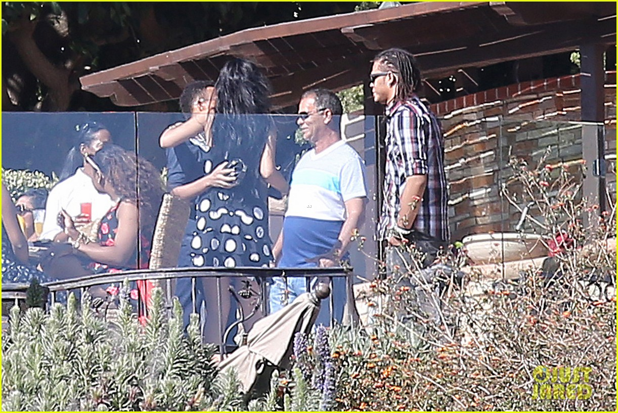 rihanna spends mothers day with family at malibu mansion 223111591