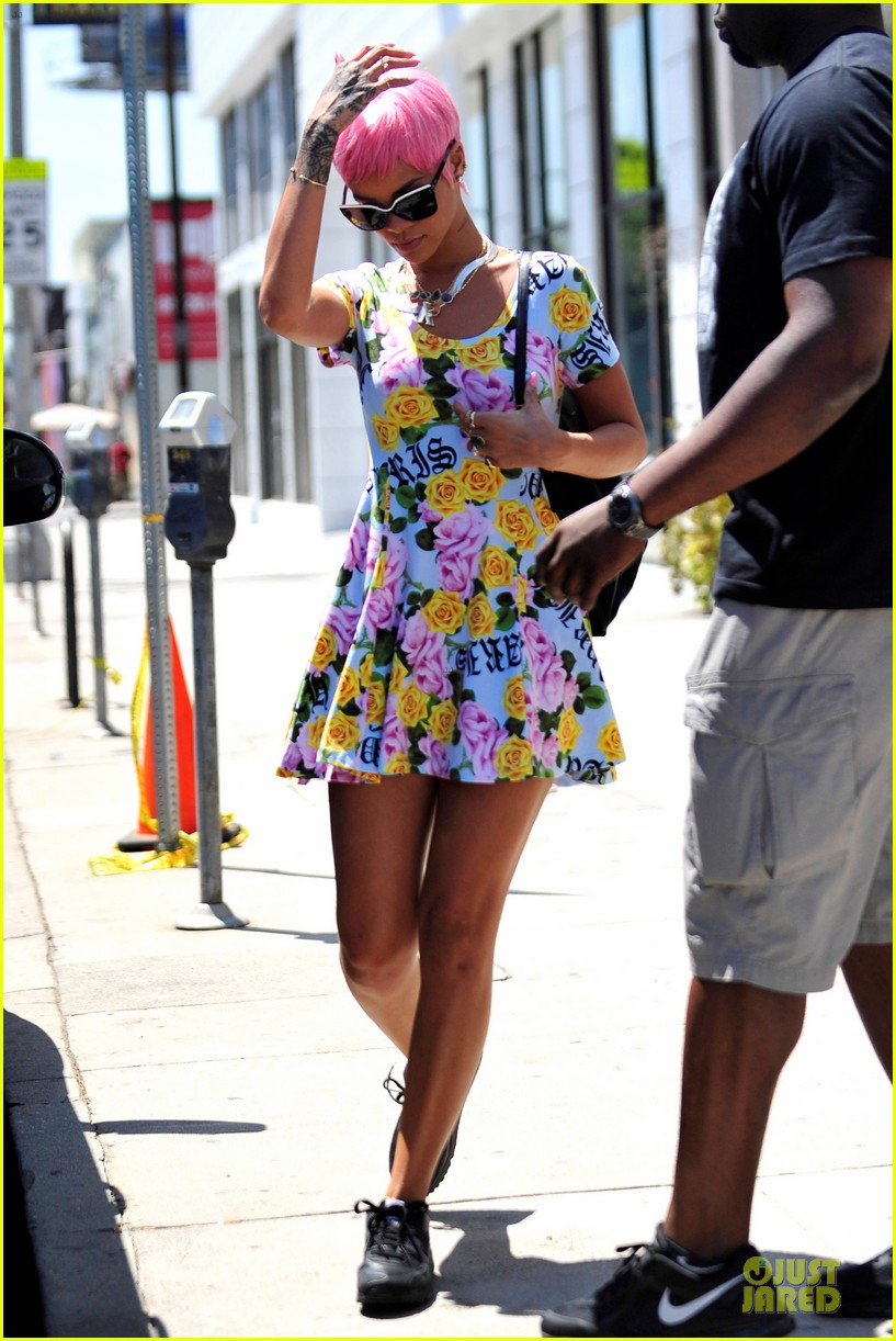 rihanna thinks summer needs to slow down a little in la 223115257